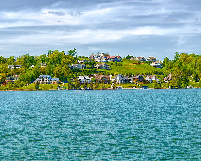 Deer Hill Village Villas for Sale on Norris Lake